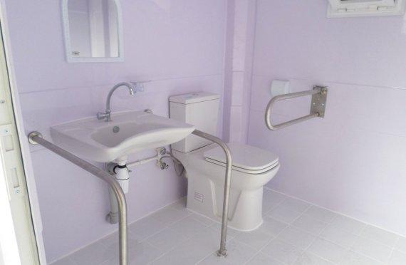 215x215 Mobilní  invalidní toaletní kabina