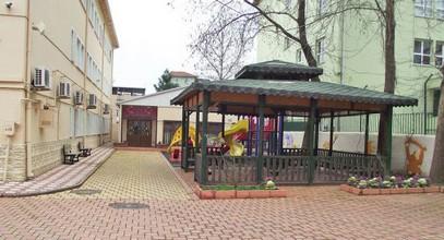 Prefabrikovaná mateřská škola byla do Bursy poslána Karmodem