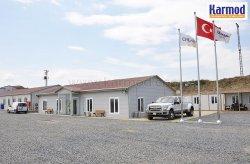 Staveniště třetího letiště dokončila společnost Karmod